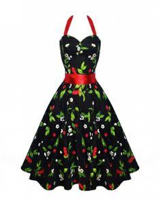 Svart utsvingt halter-kjole med kirsebærmønster. Hjerteformet utringning. Avtakbart rødt satengbånd rundt midjen. Glidelås i siden. Passer utmerket sammen med langt underskjørt. Underskjørt med lengde på 60 cm vil matche kjoles lengde mens underskjørt med lengde på 65 cm vil komme nedenfor kjolen.    - Lengde fra skulder 100 cm - Stoff 97% bomull, 3% elastan - Størrelse XS-2XL (34-44) - Plagget er normal i st&oslas...