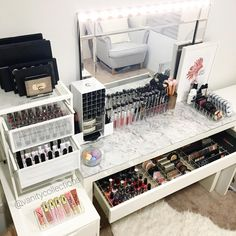 "460 Likes, 13 Comments - VANITY COLLECTIONS (@vanitycollections) on Instagram: ""Hump day Inspo straight from my beauty room. I hope your all having an amazing week Link to our…"""