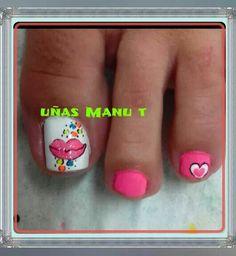 Resultado de imagen para catalogo de decoracion de uñas masglo gratis Toe Nail Art, Toe Nails, Pretty Pedicures, Valentine Hearts, Diana, Nail Art Designs, Kid Nails, Pretty Nails, Nail Techniques