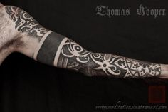 Google Image Result for http://thomashooper.files.wordpress.com/2011/09/clint-borneo-thai-dot-work-tribal-tattoo-sleeve-001-september-15-2011.jpg