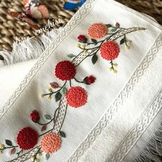chrysanthemum # # # # handmade embroidery towel # # # elnakış the dowry order # # # Border Embroidery, Hand Embroidery Flowers, Flower Embroidery Designs, Embroidery Motifs, Simple Embroidery, Silk Ribbon Embroidery, Bargello Quilts, Crochet Bedspread, Brazilian Embroidery