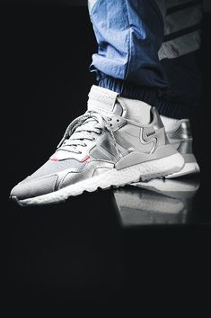 Jogger Adidas, Adidas Men, Adidas Sneakers, Nylons, Joggers Shoes, Shoes Too Big, Sneaker Stores, Nike Tech, Style Retro