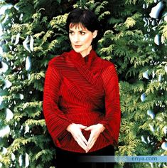 .From enya.com. Photo by Simon Fowler.