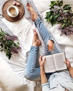 Positiv denken Buch Positiv denken Buch The post Positiv denken Buch appeared first on Mered Homepage. Freetime Activities, Instagram Inspiration, Foto Top, Pause Café, Photo Grid, Book Photography, Fashion Photography, Portrait Photography, Bookstagram