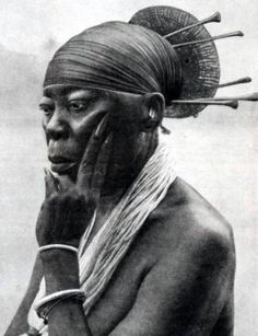 kemetic-dreams: Queen Nenzima of the Mangbetu people of the Congo!