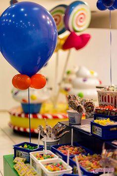 Créditos:  Projeto, Decoração e mesa de guloseimas: O Cha das 5  Bolo e Doces: Delicada Receita  Balões: Balão Cultura   www.boxbalao.com Circus Vintage, Villas Boas, Moby Dick, Candy Land, Circus Party, Party Ideas, Cake, Desserts, Wedding