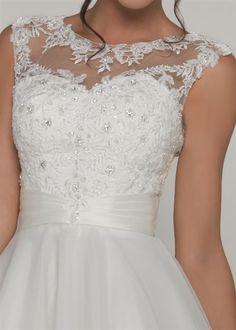 Lycinda - Wedding Dress By Tom Flowers - Berketex Bride