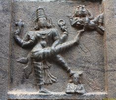 Vamana depicted as 'Trivikrama' with 3 legs, One on Earth, Second Raised in the Heavens and Third on King Bali's Head Indian Gods, Indian Art, Asian Sculptures, Kali Goddess, Apocalypse Art, Indian Architecture, Hampi, Krishna Radha, Lord Vishnu