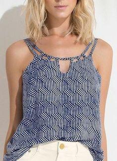 Blusa com Alças Detalhe Decote (Azul) Lunender