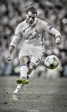 Cristiano Ronaldo ~ four time Ballon d'Or winner Cr7 Vs Messi, Cr7 Ronaldo, Lionel Messi, Neymar, Club Football, Football Memes, Good Soccer Players, Football Players, Citation Football