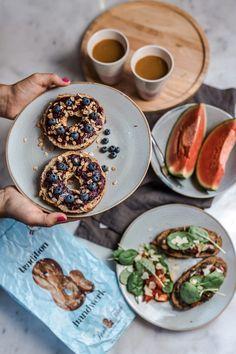 Das Rezept für Power Bagel mit Berry-Chia-Jam findet ihr auf meinem Blog! Chia Jam, Berry, Mexican, Breakfast, Ethnic Recipes, Blog, Superfood Recipes, Brunch Ideas, Food Food