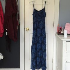 Maxi dress Never really wore fits nicely Abercrombie & Fitch Dresses Maxi