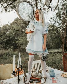 Alice in Wonderland Cosplay Alice In Wonderland, Alice In Wonderland Aesthetic, Dark Alice In Wonderland, Alice Cosplay, Alice Costume, Alice Halloween, Cute Halloween Costumes, Halloween Photos, Tumblr Outfits