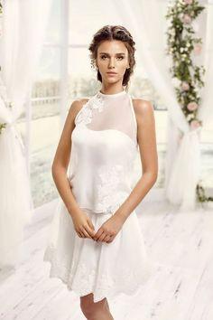 "Robe de mariée: les tendances 2016. Robe ""Mademoiselle Alicia"", en organza et dentelle, 375 euros, Pronuptia."