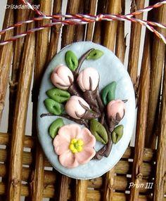 Momente de primavara.Brose.II | crisadamblog Clay Fish, Polymer Clay Embroidery, Salt Dough, Air Dry Clay, Clay Creations, Polymer Clay Jewelry, Biscuit, 3 D, Handmade Jewelry