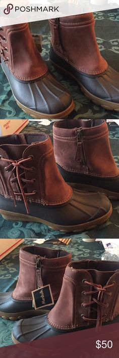 947556f725589 NWT Sherry Duck Boots Two tone brown with leather uppers. Outside ties and  inside zippers