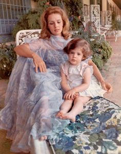 Carolina Herrera with her daughter Caroline, Caracas Venezuela  1971: there's a very tropical, yet sophisticated vibe to this picture and that's why I am filing it under Palm Beach Style. Palm Beach Style is a state of mind, not a point in the map.