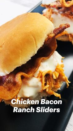Bacon Sandwich Recipes, Bacon Breakfast Sandwiches, Bagel Sandwich, Chicken Sandwich, Game Day Snacks, Chicken Bacon Ranch, Easy Meals, Easy Recipes, Sliders