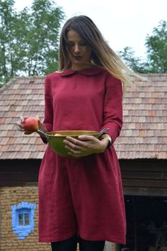 Linen dress with sleeves and collar