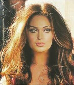 Nature makeup for brunettes Brunette Makeup, Brunette Beauty, Brunette Girls, Beauty Makeup, Hair Beauty, Egyptian Actress, Turkish Beauty, Portraits, Insta Photo