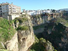 絶景が広がる崖上のホテル 10 選