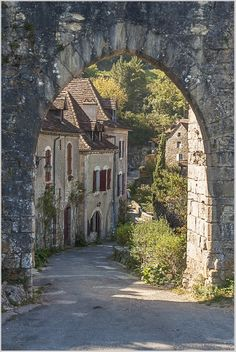 The pretty village of St-Cirq on the Camino de Santiago, France