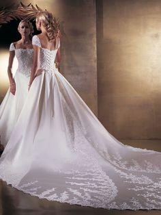 Online Sale Princess Straps Square Neckline Applique Satin Court Train Dress For Brides