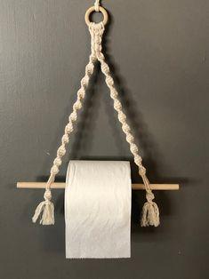Macrame Design, Macrame Art, Macrame Projects, Macrame Knots, Paper Roll Holders, Toilet Paper Roll Holder, Macrame Wall Hanging Patterns, Macrame Patterns, Rustic Bathroom Wall Decor