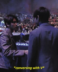 V and Baekhyun during the end of Gaon Chart (2/2)