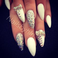 White bling nails White nails with crystals