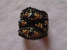Bisuteria: ESQUEMA DE LA PULCERA SERPENTINE Beaded Bracelets, Brooch, Rings, Jewelry, Fashion, Bead Earrings, Patterns, Dressmaking, Beads