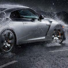 Drifting in the rain: Nissan GTR