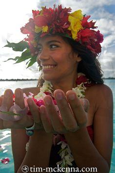 The Islands of Tahiti Polynesian Girls, Tahitian Dance, Hula Skirt, Royal Beauty, Hawaiian Art, Hula Dancers, Photo Story, Island Girl, Portrait Art
