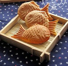 Fish cookieswww.tablescapesbydesign.com https://www.facebook.com/pages/Tablescapes-By-Design/129811416695
