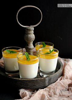 Crema de yogur con puré de mango y lima. Receta
