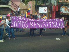 """Anonymous Venezuela @AnonymousVene10  6 h """"YA VENEZUELA DEJO DE SER CHAVISTA Y ANTICHAVISTA AHORA ES UN PUEBLO EN #RESISTENCIA AL TIRANO CORRUPTO E INCAPAZ pic.twitter.com/PB8zULLInx"""" 08-03-2014"""