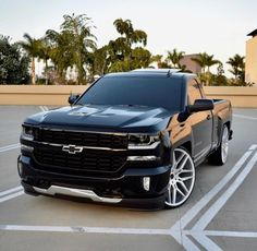 ideas for trucks Silverado Single Cab, Single Cab Trucks, Silverado Truck, C10 Chevy Truck, Chevy Pickups, Chevrolet Trucks, Chevrolet Silverado, Gmc Suv, Chevy S10