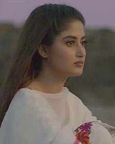 Pakistani Dramas, Pakistani Actress, Beautiful Dress Designs, Beautiful Dresses, Ear Sound, Pak Drama, Iqra Aziz, Cute Love Songs, Designer Dresses