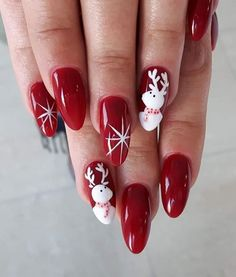 40 Pretty Christmas Nails Art Design to Inspire BEAUTY 51 Christmas Nail Art Designs & Ideas for 2018 Christmas Nail Art Designs, Holiday Nail Art, Winter Nail Designs, Winter Nail Art, Winter Nails, Christmas Design, Red Nail Polish, Red Nails, Nail Art Noel