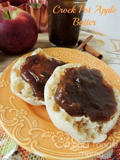 Homemade Crock Pot Apple Butter via thefrugalfoodiemama.com #applebutter #crockpot #apples #slowcooker