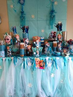 Disney Frozen Party Ideas-love the tulle on the table. Disney Frozen Party, Disney Frozen Birthday, Frozen Theme Party, 6th Birthday Parties, Birthday Fun, Birthday Ideas, Tags Frozen, Party Time, Elsa