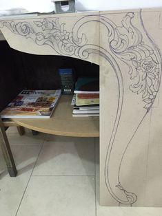 ah?ap oyma çizim #furnituredesigns Wood Carving Designs, Wood Carving Patterns, Wood Carving Art, Wood Art, Wood Furniture Legs, Furniture Design, Wooden Front Door Design, Victorian Furniture, Diy Bed