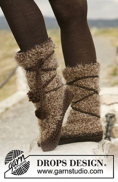 """Ravelry: 133-9 """"Pocahontas"""" slippers in Symphony and Eskimo pattern by DROPS design"""