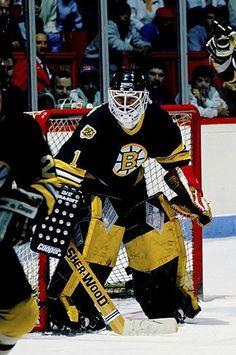 Ice Hockey Teams, Hockey Goalie, Hockey Stuff, Hockey Games, Boston Bruins Goalies, Goalie Mask, Nhl, Fans, England