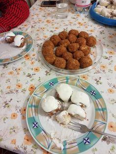 Főzés nélküli túrógombóc, mióta ezt a receptet kipróbáltam, csak így készítem! - Ketkes.com Potato Pancakes, Cereal, Potatoes, Cookies, Breakfast, Recipes, Food, Crack Crackers, Morning Coffee