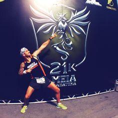 Aeeee!! Chegou o dia da prova!! Foto do Bolt pra inspirar e voar!! Bom dia a todos!!! . #corridaathenas #acordapracorrer #focanacorrida #rwbrasil #marcelocamargotreinamento #correrecompartilhar #brasilrunners #runitfast #euatleta #marathon #vccorrendo #corredoresamigos #viciadosemcorridaderua #endorfina #foco #vidadeumcorredor #vidadeatleta #worlderunners #instarunners #runnerscommunity #fb
