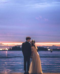 wedding photography tips Bridal Musings Pre Wedding Photoshoot, Wedding Poses, Wedding Couples, Cute Couples, Korean Wedding Photography, Couple Photography, Couple Pictures, Wedding Pictures, Korean Couple