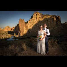 How's this for a #wedding photo? Thanks to Pete Erickson for letting us share his image! #visitcentraloregon #smithrock