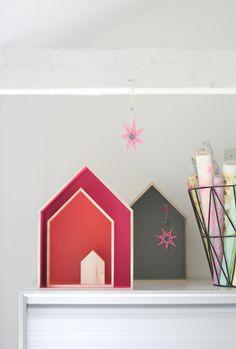 wood houses - shelves