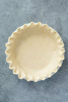 Make Flaky Pie Crust in your food processor with 3 simple ingredients and about 15 minutes of prep. Homemade pie crust has never been easier! Strawberry Dessert Recipes, Best Dessert Recipes, Coffee Recipes, Fun Desserts, Sweets Recipes, Vegan Desserts, Delicious Desserts, Easy Tart Recipes, Pie Crust Recipes